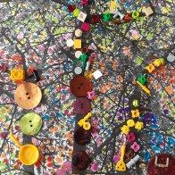 Lila : J'ai choisi mon cerisier parce que je le trouve beau. ON A PRIS UNE PHOTO , J'ai colorié mon cerisier avec des feutres de toutes les couleurs . Ensuite, on a mis des objets Sur le tronc et sur les branches. J'ai mis des boutons, des perles, et des fleurs
